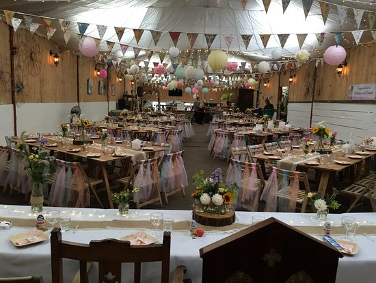 Edgworth, UK: Barn wedding venue