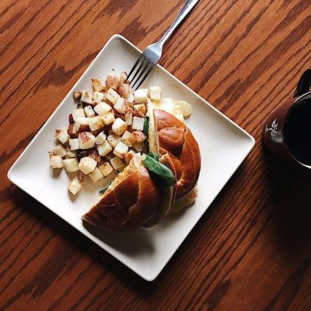 Tomato Pie Cafe: Breakfast