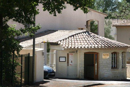 Castries, France: accueil résidence