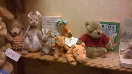 Dorchester, UK: Pooh ber and friends