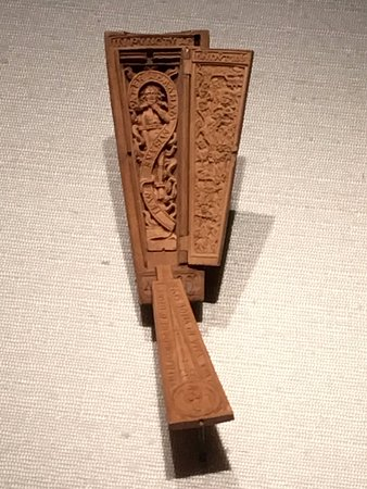 Art Gallery of Ontario (AGO): Carved boxwood miniature coffin.