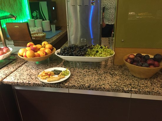 Grand Cettia Hotel: Buffet