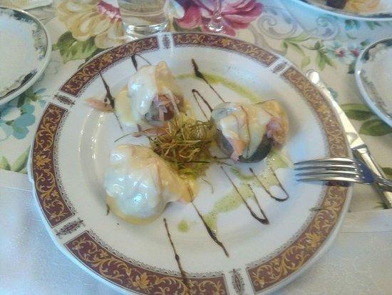 Torrejon de la Calzada, Spanien: Patatas con salmón