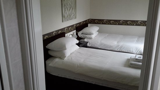 Stretton, UK: Room 3 - A twin/Super King size with shower