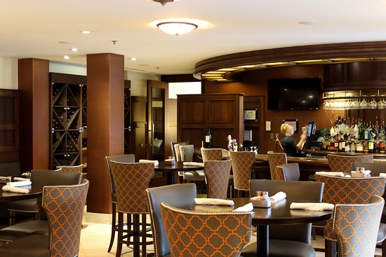 Plymouth, Мичиган: The lounge at 5ive Steakhouse