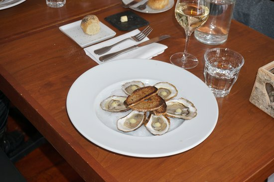 Val David, Canadá: huîtres cavendish avec pointe de crème au citron