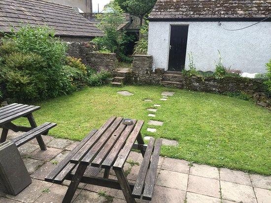 Bellerby, UK: The Small Garden