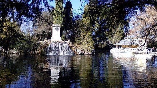 parque de el capricho estanque del jardn el capricho