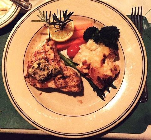 Charlie's L'Etoile Verte: Swordfish, potatoes, vegetables. Photo by Lois, Recipe Idea Shop.