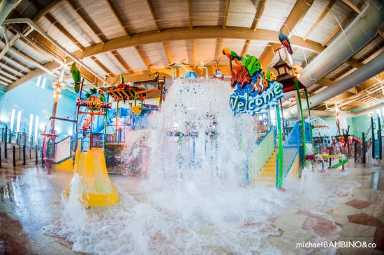 ‪Splash Cincinnati Indoor Water Park‬