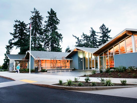 Vancouver, WA: Front entrance to Marshall Community Center