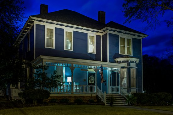 Auburn, AL: Nighttime Historic Beauty