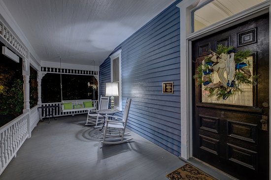 Auburn, ألاباما: Porch Living