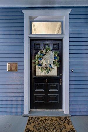 Auburn, AL: Front Door Welcom