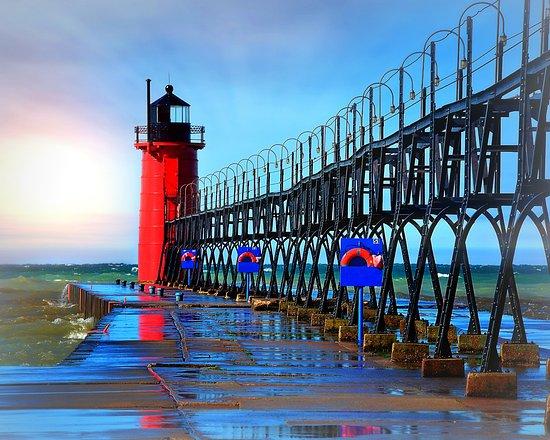 South Haven Lighthouses : South Haven Lighthouse in Michigan