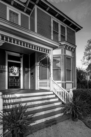 Auburn, AL: B&W Porch Steps