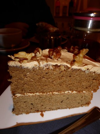 Kingsbridge, UK: Coffee and walnut cake