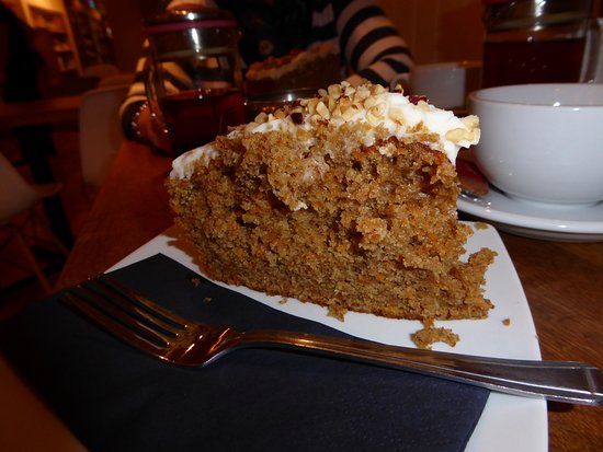 Kingsbridge, UK: Carrot cake