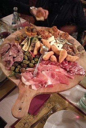 Монтелупо-Фьорентино, Италия: antipasto per 6