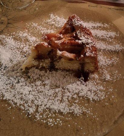 Montelupo Fiorentino, Italy: torta di mele