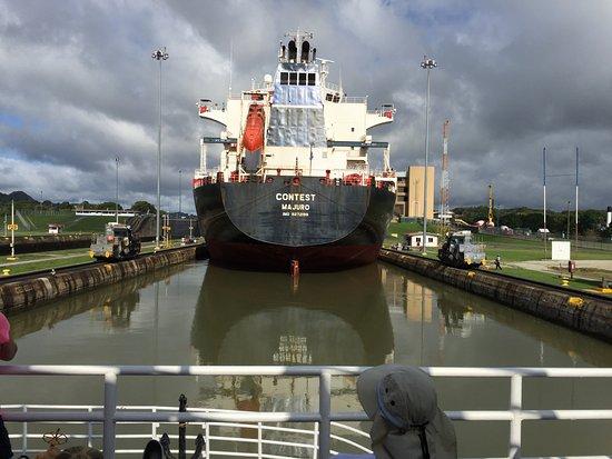 Canal & Bay Tours: Miraflores Lock