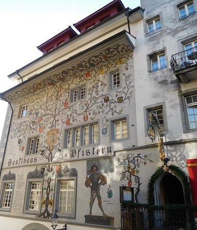 Zunfthausrestaurant Pfistern : Facciata esterna