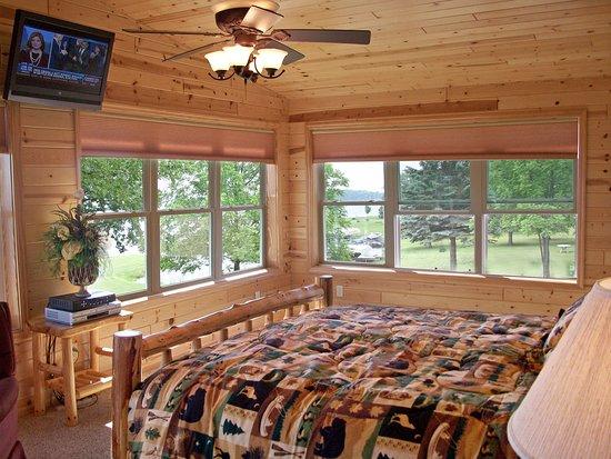 Walker, MN: Bay View Suite