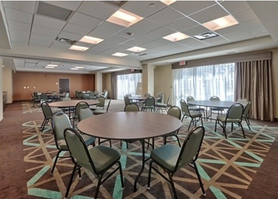 Interior - Picture of Hampton Inn & Suites Artesia, Artesia - Tripadvisor