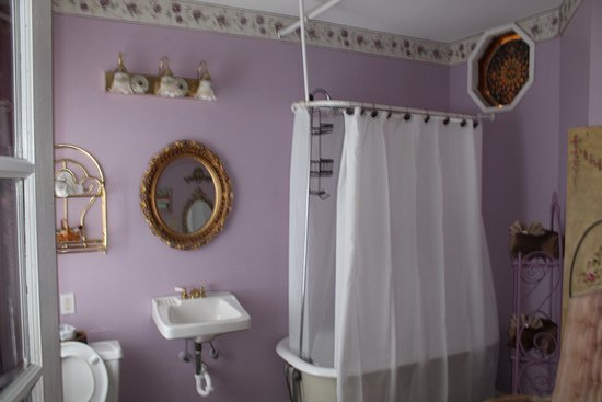 Casa Coquina Bed and Breakfast: Ruby suite bathroom