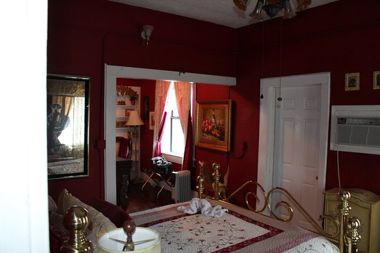 Casa Coquina Bed and Breakfast: Ruby Suite