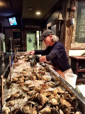 Lutherville Timonium, MD: Largest Selection of Oysters I've ever seen