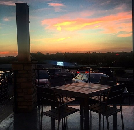 Poplar Bluff, MO: Beautiful sunsets from our patio