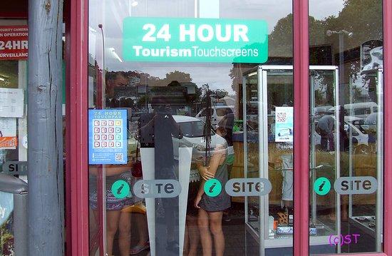Gisborne, New Zealand: 24 hrs info display