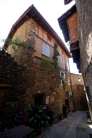 Robledillo De Gata, Spain: Fachada y casa manadero