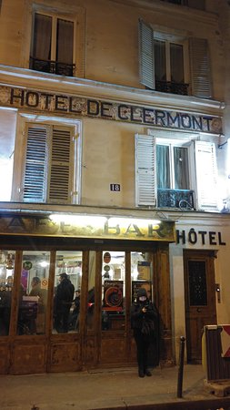 Le Grand Hôtel de Clermont : front of the hotel's building
