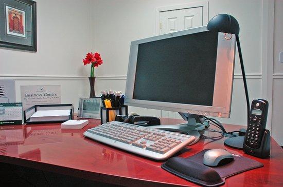 أمباسادور هوتل: 24 Hour Business Centre
