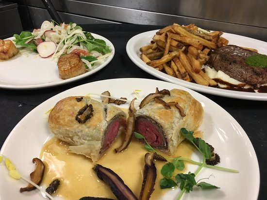 Burton, OH: Beef Wellington