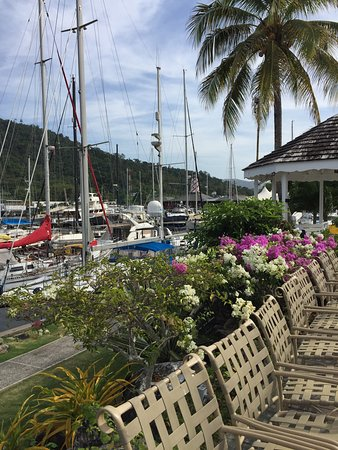 Crews Inn Hotel & Yachting Centre: Room with view over marina and to restaurant