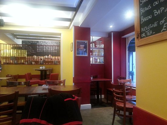 Devizes, UK: Inside the coffe shop