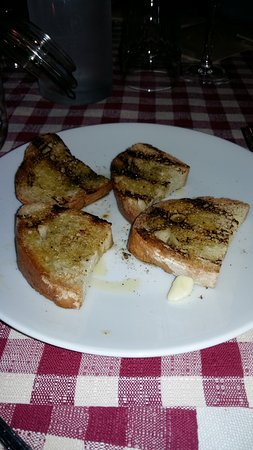 Bruschette agliate con olio di Chianni