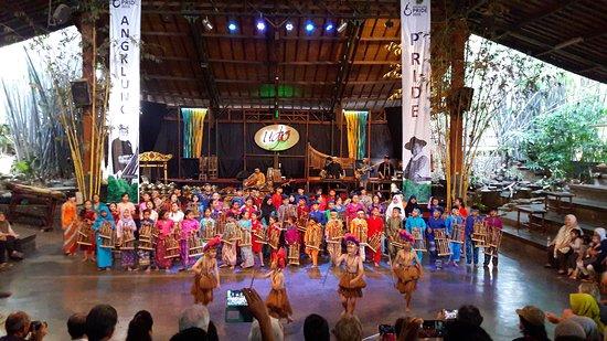 Saung Angklung Udjo: 20170107_163155_large.jpg