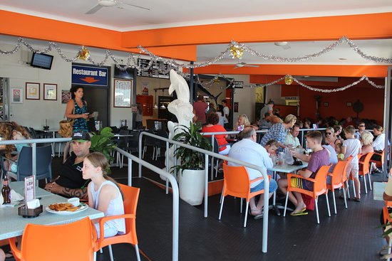 The sawtell hotel updated 2018 reviews australia for Fish tales restaurant