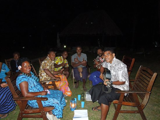 Paradise Taveuni: Fiji night dinner with local residents supplying the music & dancing.