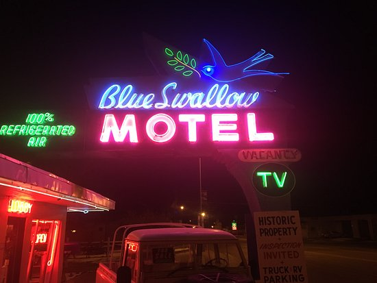 Blue Swallow Motel Photo