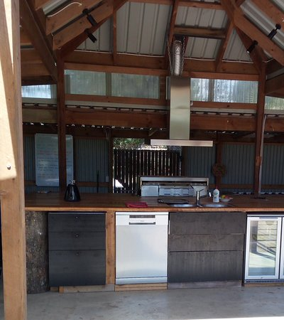 Ventnor, Australia: Fully equipped outdoor kitchen