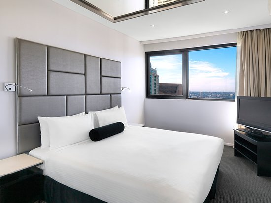 Modern Suite With 1 Bedroom Bedroom Picture Of Meriton