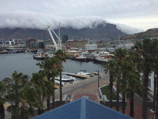 โรงแรมเดอะเทเบิ้ล เบย์: The Table Bay Hotel