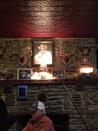 Arkey Blue's Silver Dollar Bar : photo0.jpg