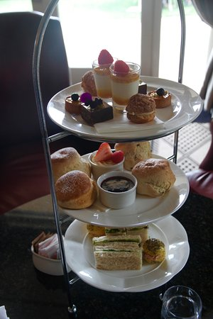 High tea in the lounge at Lilianfels, January 2017.