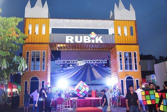Rubik Zoo